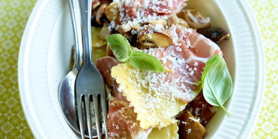 Ravioli cu ciuperci si sunca Coppa di Pama