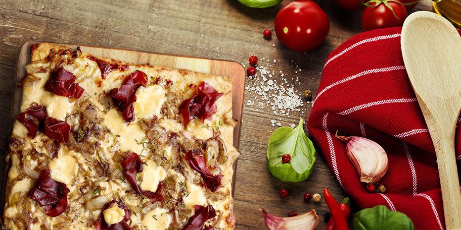 Pizza cu andive si bresaola