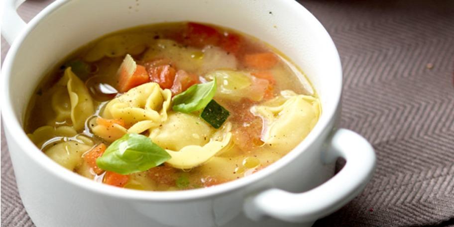 Supa de legume cu cappelletti