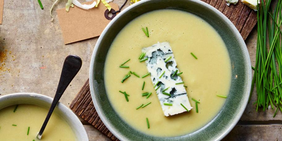Supa crema de andive cu branza Roquefort