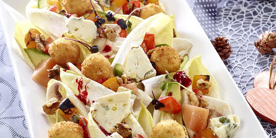 Salata festiva cu bulete de branza de capra