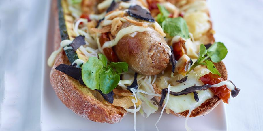 Hot dog gourmet cu branza