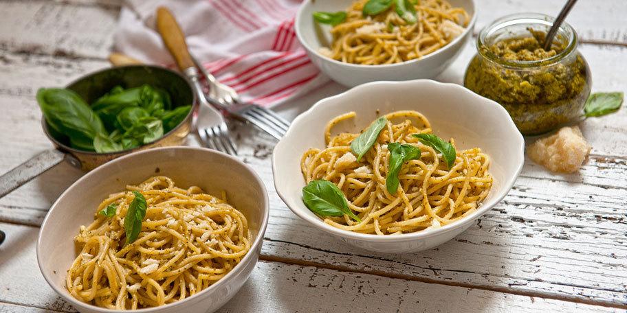 Spaghete cu pesto si rucola