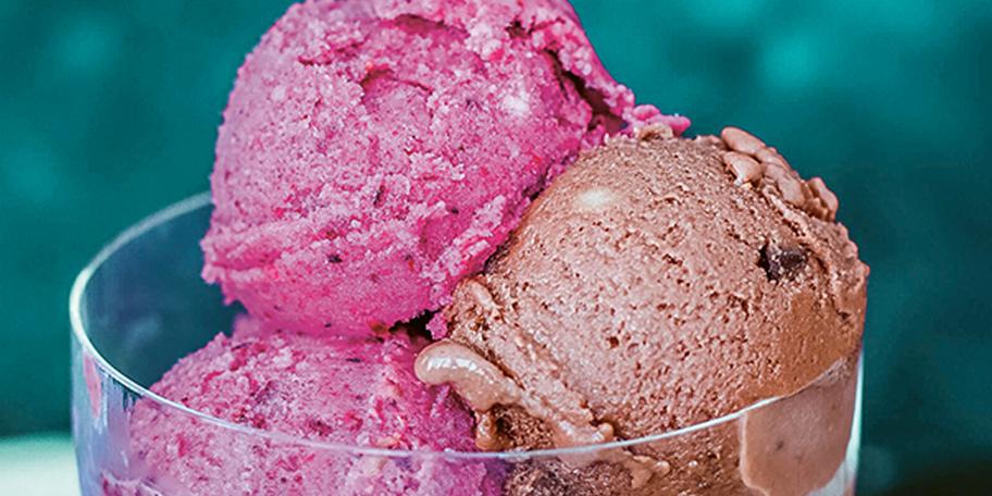 Înghețată în două culori