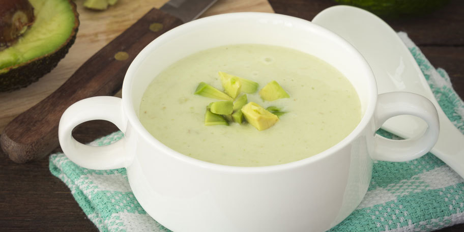Supa crema de avocado si cartofi dulci