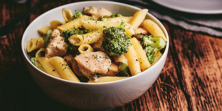 Paste cu somon și broccoli